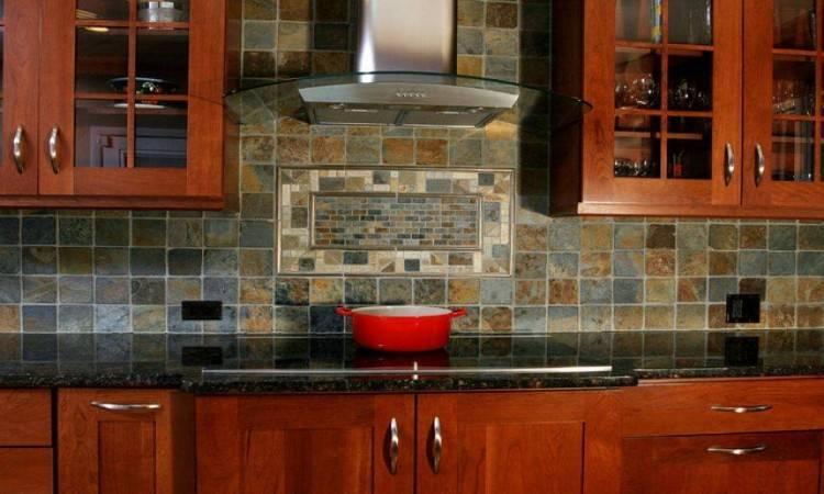 Large, bold kitchen backsplash