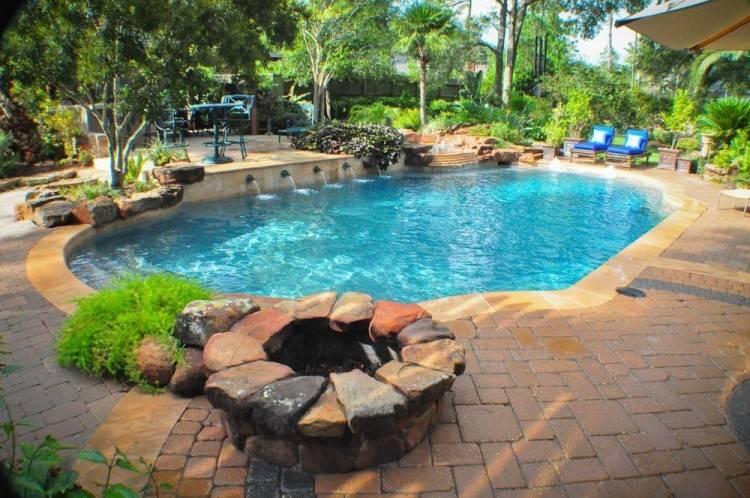 Custom Swimming Pool Builder Houston / Custom Swimming Pool Builder Tomball  / Custom Swimming Pool Builders The Woodlands / Custom Pool Builders  Montgomery,