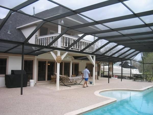 Fully closed retractable pool enclosure Elegant