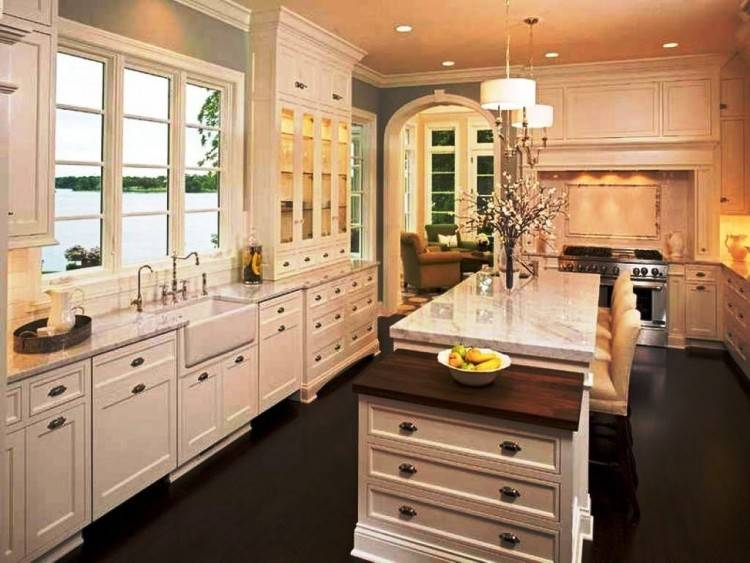 Kitchen : Traditional Antique White Kitchen Design With Large Kitchen  Cabinet And Laminated Wooden Flooring Ideas Best Cozy Traditional Style  Kitchen