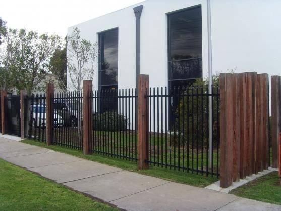 modern gate (entrance design)
