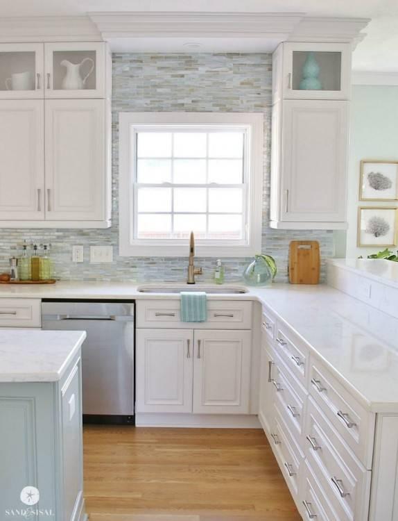 Dark Kitchen  Cabinets Ideas Photo Backsplash Antique White