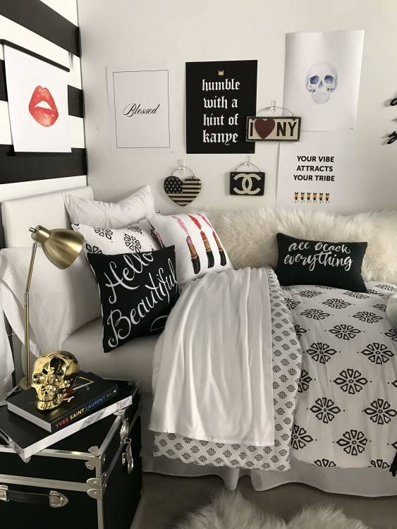 super cute and cozy bedroom perfect for fall and winter