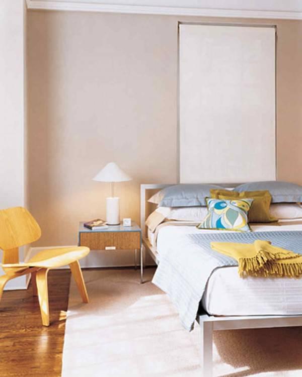 Glamorous white bedroom