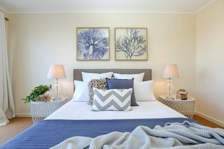 beach bedroom decor pink wooden ladder beach themed bedroom decor book  shelves thick pattern green rug