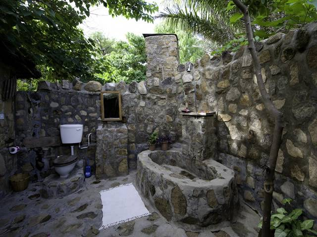 Size 1024x768 Stone Outdoor Shower