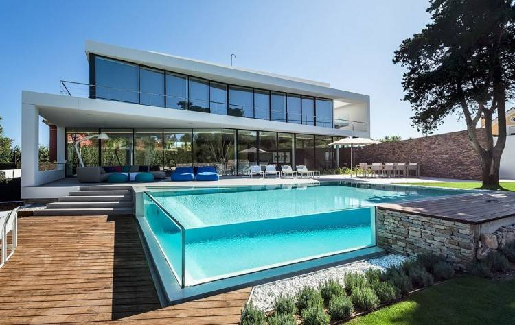 Modern swimming pool design allows you to create a customized  feature that