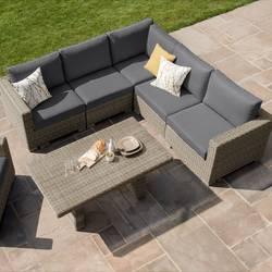 life room outdoor living