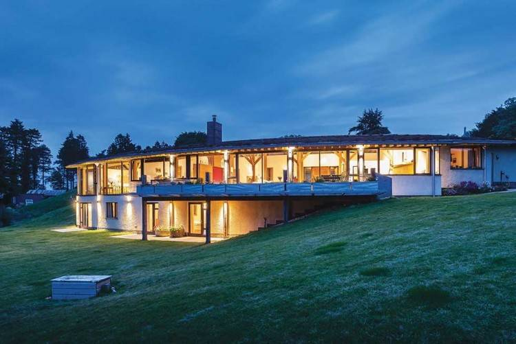 The second episode of the current series of Grand Designs, aired in  September 2018, featured this modern, steel framed, floating glass house  built by our