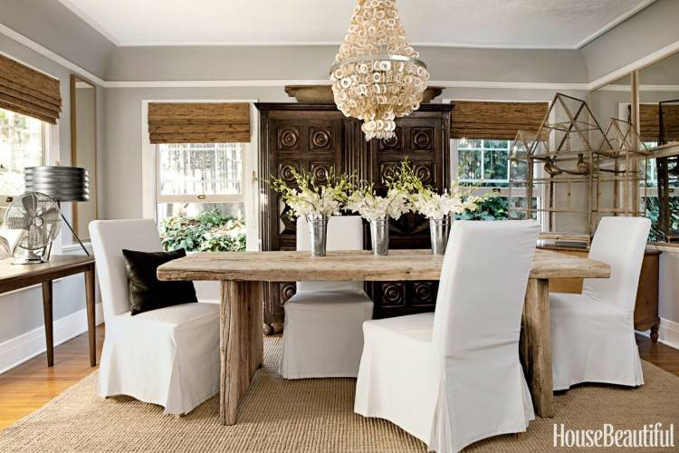 Chandeliers play a major role in the mood of a dining room