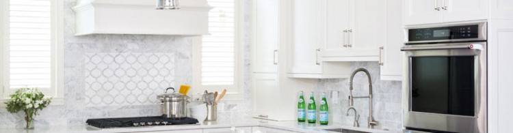 White cabinets + subway tile + gray walls = perfection