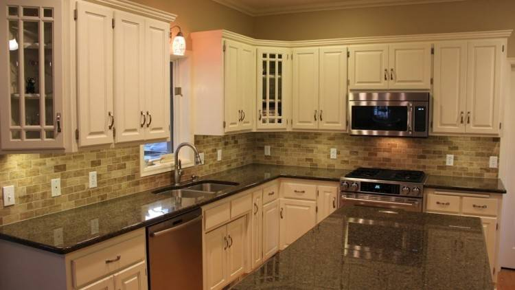 Beautiful Kitchen Decoration Using Black Granite Kitchen Counter Tops :  Comely Small L Shape Kitchen Design