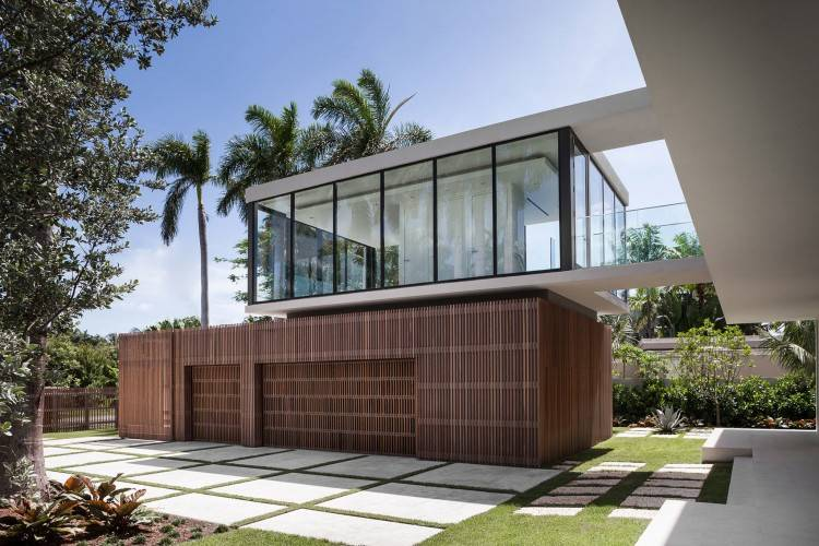 com Contemporary Home