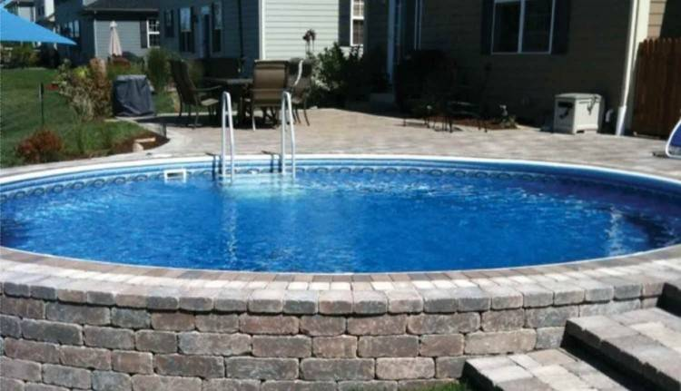 Skimmer Wall Pool