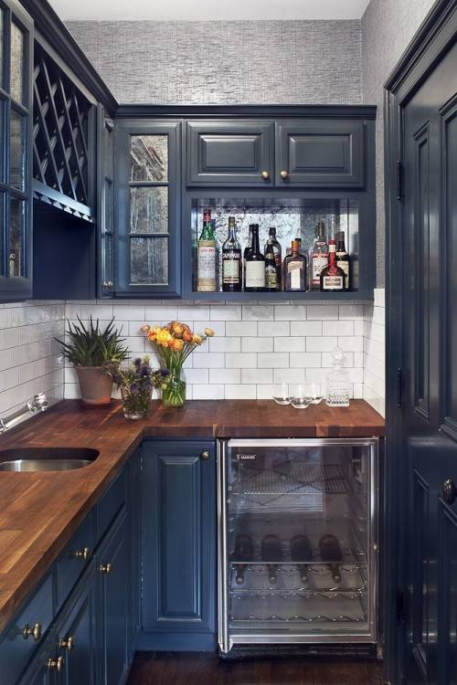 Browse this collection of stylish kitchen cabinets