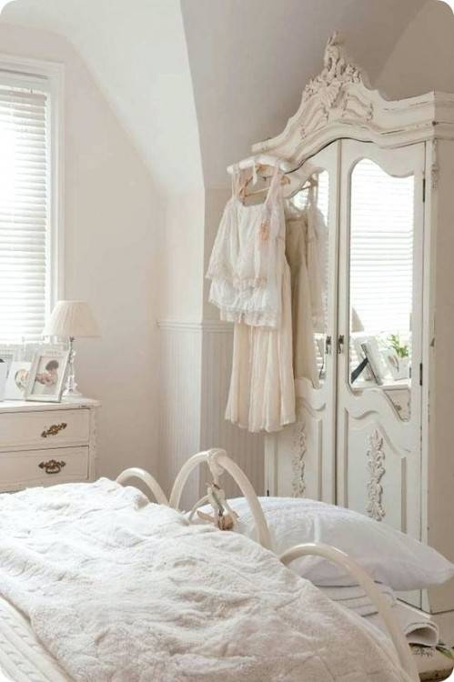 shabby chic white bedroom