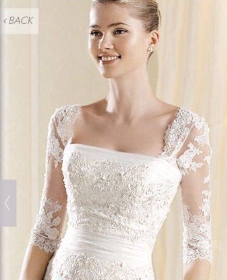 Detachable appliquéd tulle straps with 3/4 sleeves