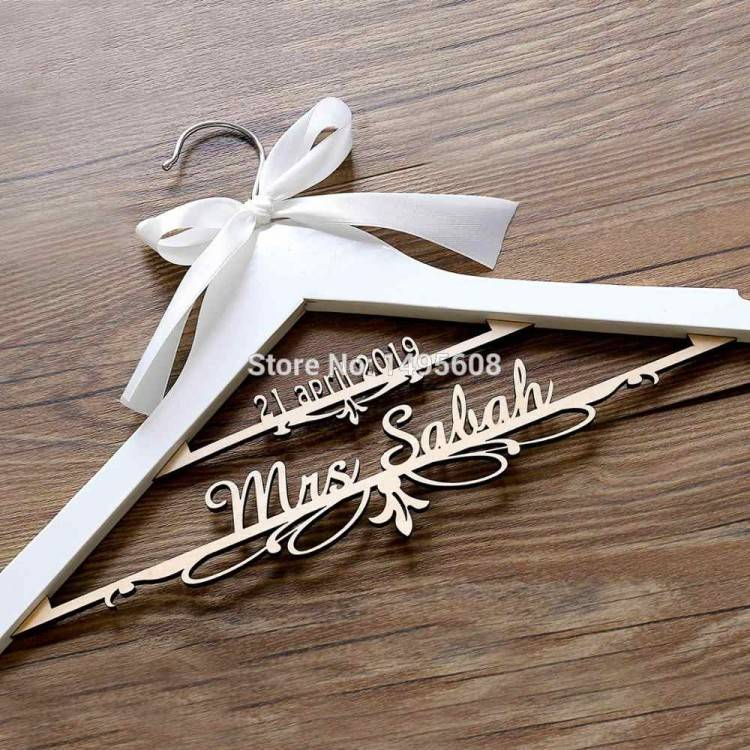 WEDDING Hanger, Personalized Bride Hanger, Wedding Dress Hanger, Bride  Hanger, Mrs