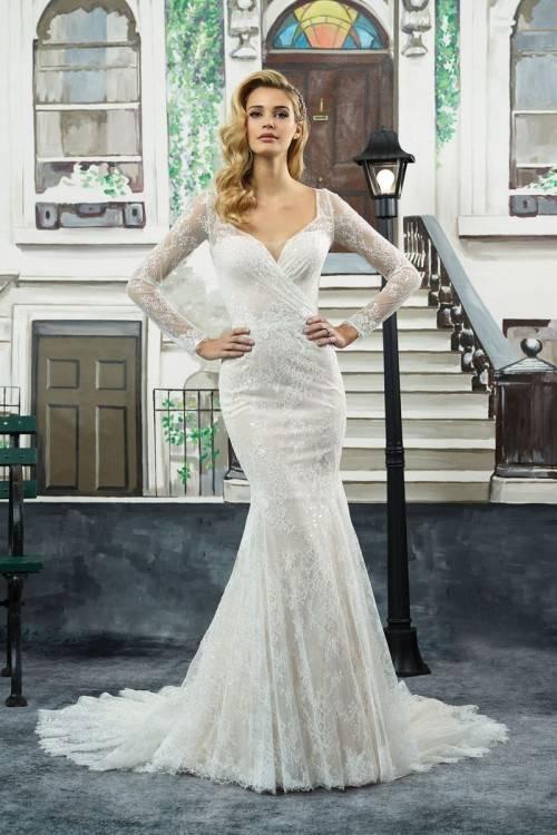 Discount 2016 Vintage Lace A Line Wedding Dresses Bateau Short Sleeve Bridal  Dresses Chapel Wedding High Quality Court Train Custom 2015 White Zipper