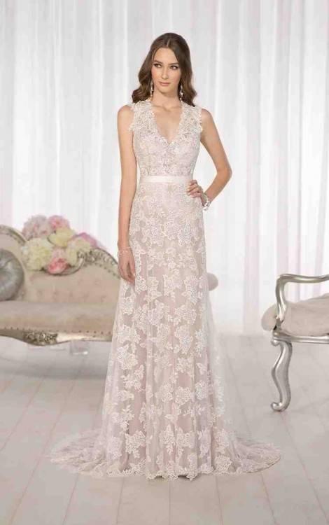 V2965 Misses' Wedding Dress | Average